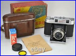 RUSSIAN USSR ISKRA MEDIUM FORMAT 6x6cm CAMERA, BOXED SET, TESTED WITH FILM (1)